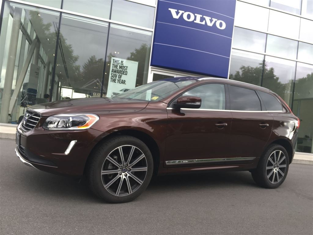 volvo xc60 2015 essais nouvelles actualit s photos vid os et fonds d 39 cran le guide de l. Black Bedroom Furniture Sets. Home Design Ideas