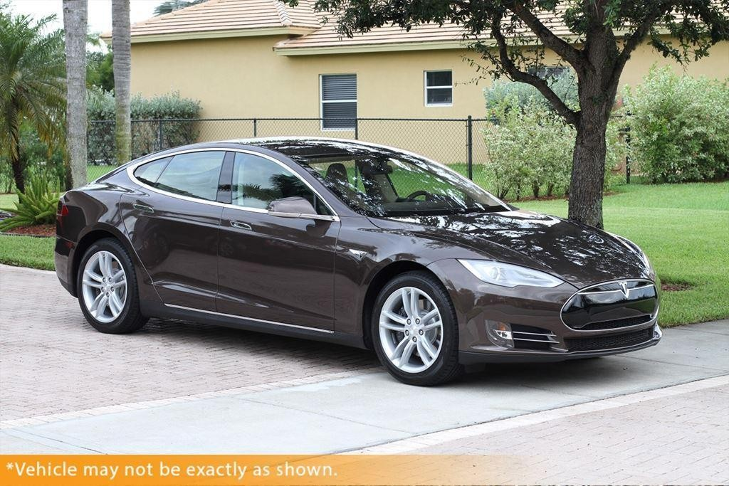 tesla model s 2013 la voiture lectrique sans compromis. Black Bedroom Furniture Sets. Home Design Ideas