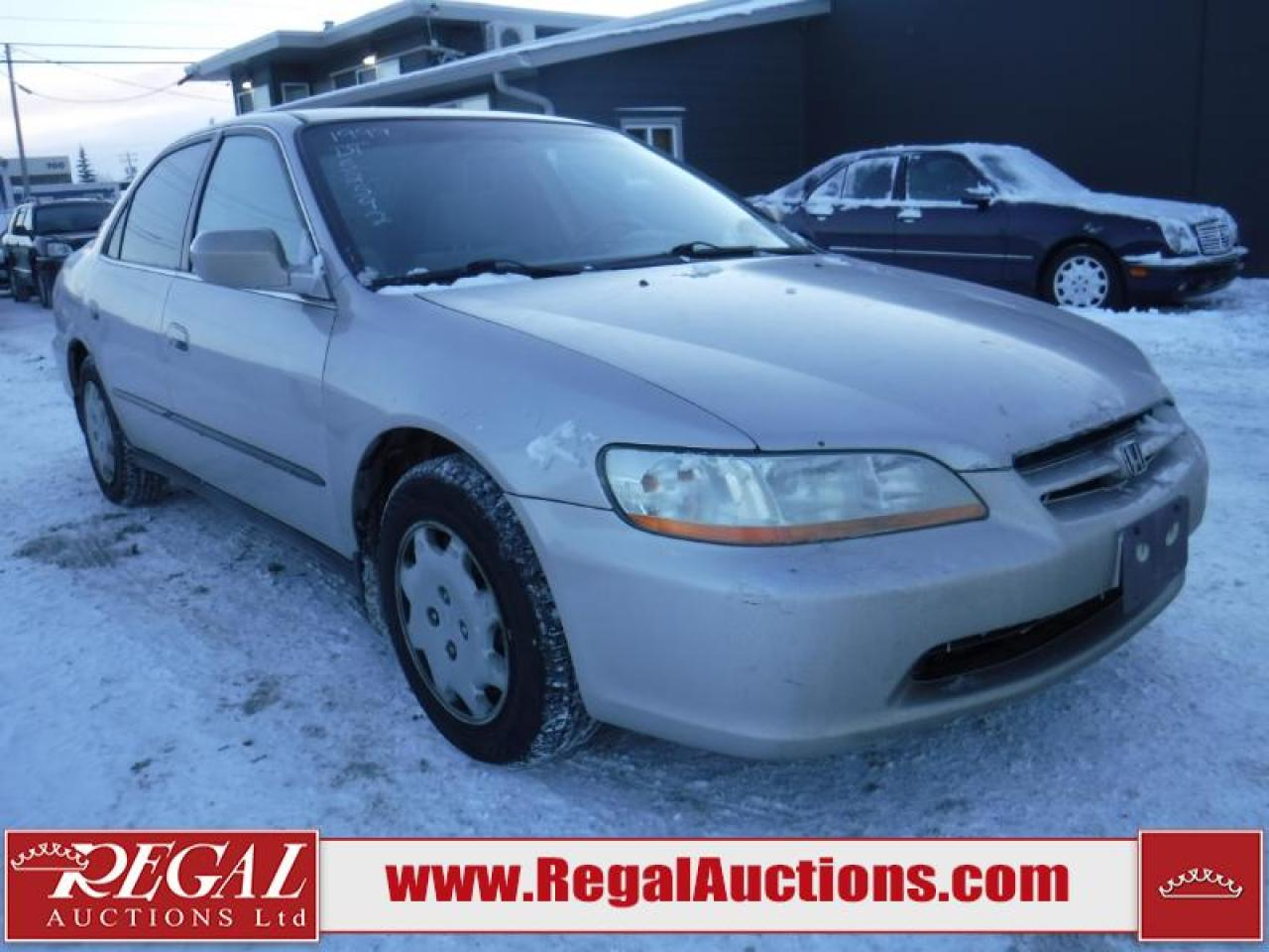 Photo of Grey 1999 Honda Accord