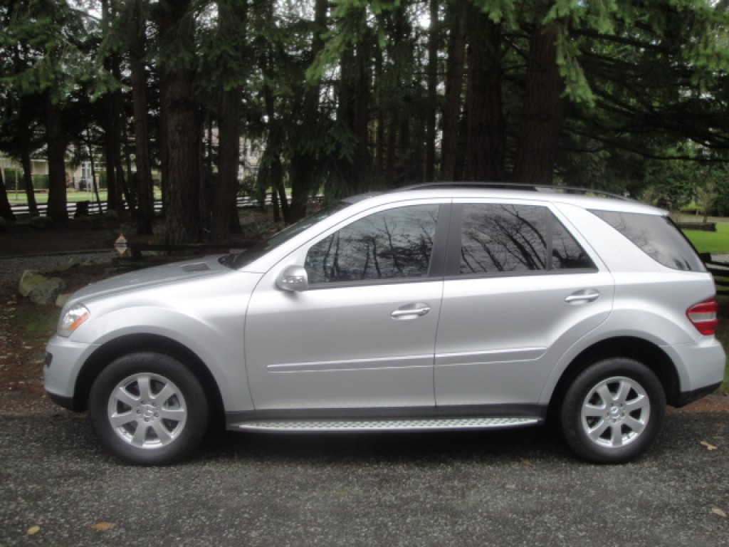 Used 2006 mercedes benz ml 350 for sale in surrey british for Mercedes benz ml 2006 for sale