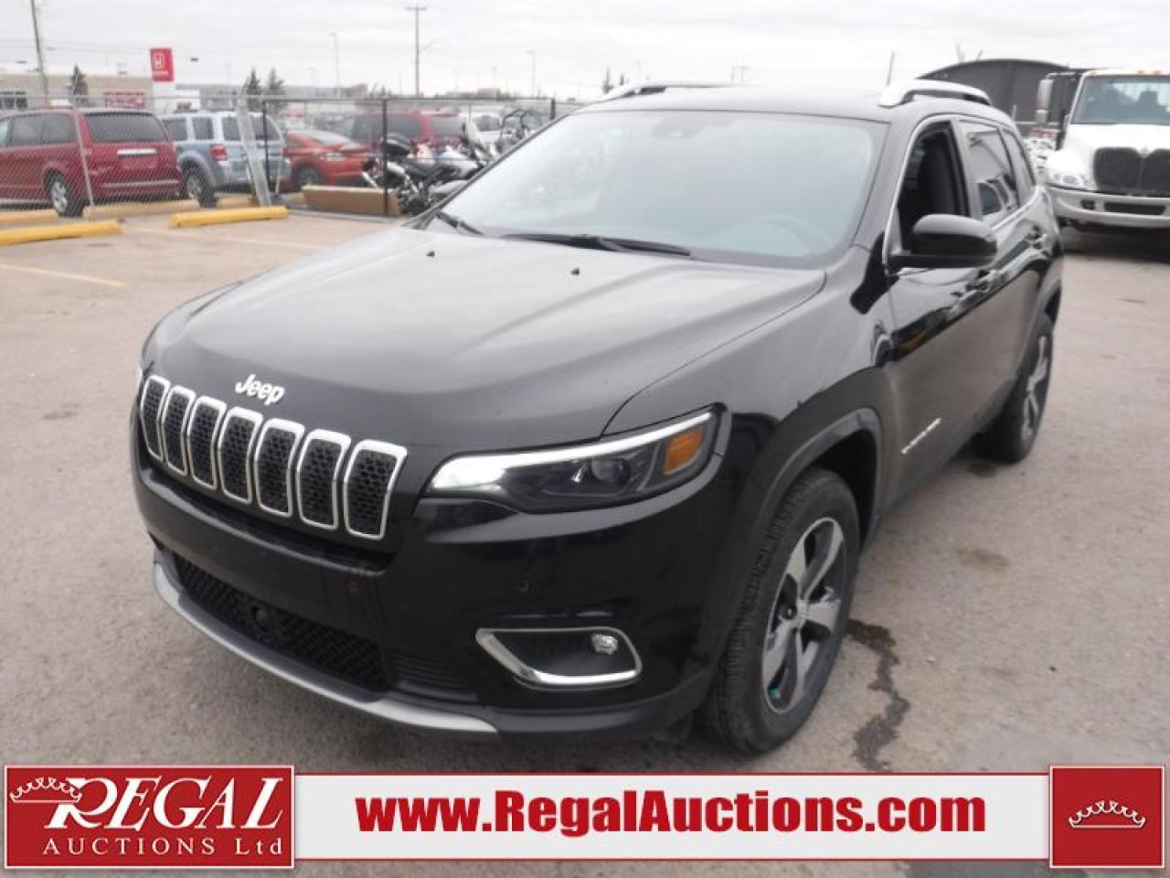 Photo of Grey 2019 Jeep Cherokee