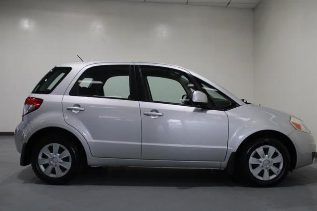 2010 Suzuki SX4 WE APPROVE ALL CREDIT.