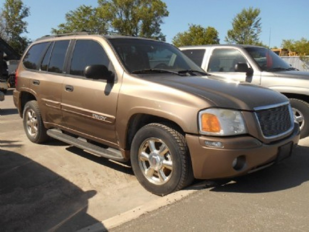 used 2002 gmc envoy sle 4wd for sale in selwyn ontario. Black Bedroom Furniture Sets. Home Design Ideas
