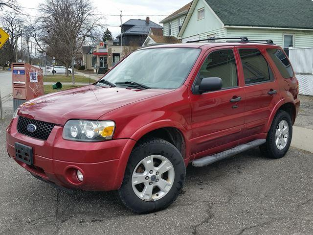 2007 Ford Escape XLT FWD New Tires-Locally Owned!