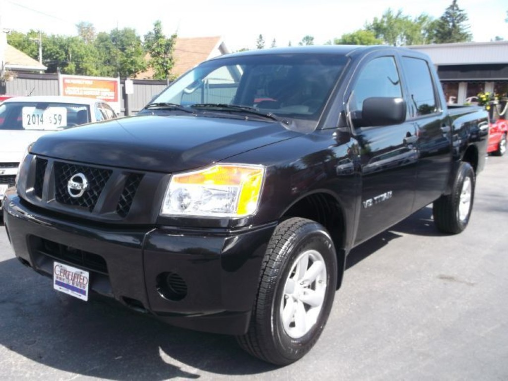 used 2015 nissan titan crew cab 4x4 internet sale for sale in sutton west ontario. Black Bedroom Furniture Sets. Home Design Ideas