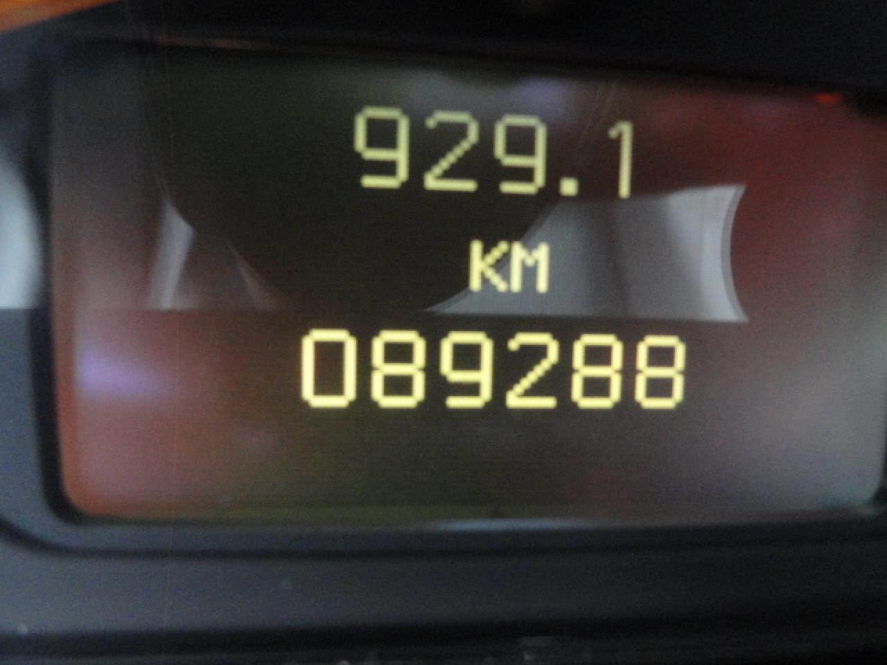 1896580
