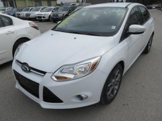 Used 2014 Ford Focus FUEL EFFICIENT SE MODEL 5 PASSENGER SYNC TECHNOLOGY.. KEYLESS.. FACTORY WARRANTY.. for sale in Bradford, ON