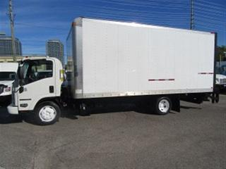 Used 2014 Isuzu NRR Diesel 20 ft box  plus power lift gate for sale in Richmond Hill, ON