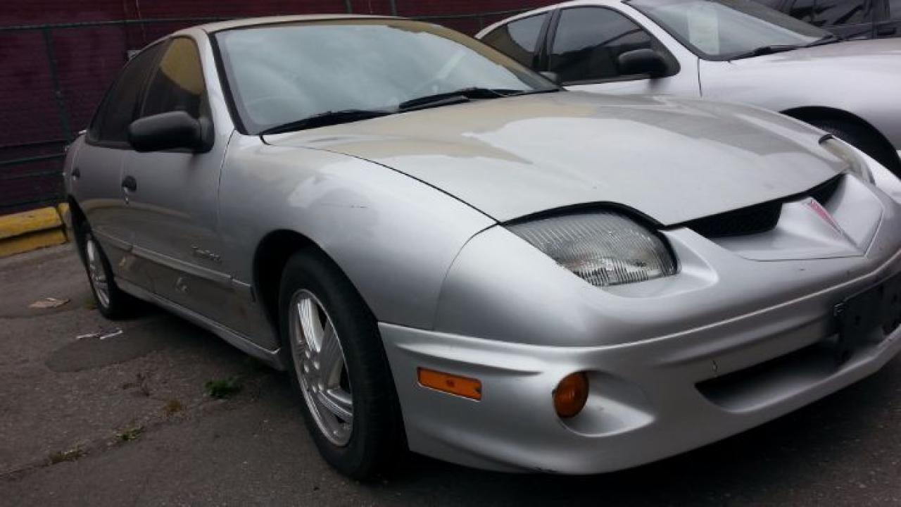 Photo of Grey 2002 Pontiac Sunfire