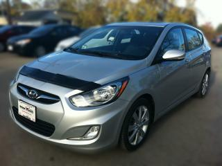 Used 2012 Hyundai ACCENT SE * SUNROOF * PREMIUM CLOTH SEATING * BLUETOOTH for sale in London, ON