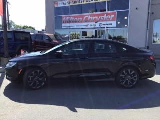 Used 2015 Chrysler 200 S|LEATHER|NAVIGATION|SUNROOF for sale in Milton, ON