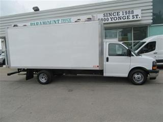Used 2017 GMC Savana 3500 16 ft aluminun box gas cube van for sale in Richmond Hill, ON