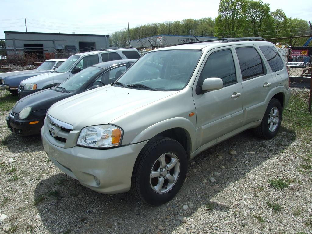 used 2005 mazda tribute lx for sale in waterloo ontario. Black Bedroom Furniture Sets. Home Design Ideas