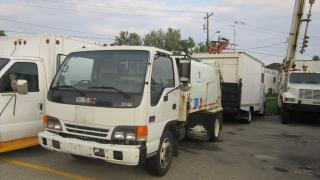 Used 2003 GMC W5500 GARBAG PAKER for sale in North York, ON