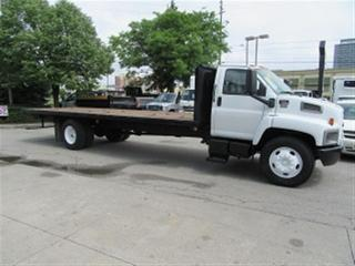 Used 2007 GMC C7500 diesel with 24 1/2   ft flat deck 142,009 miles) for sale in Richmond Hill, ON