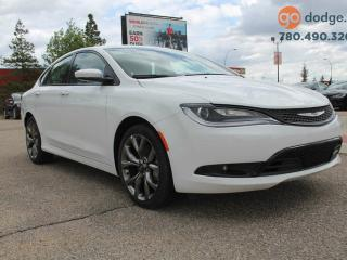 Used 2016 Chrysler 200 S / PANORAMIC SUNROOF / HEATED STEERING WHEEL / HEATED FRONT SEATS for sale in Edmonton, AB