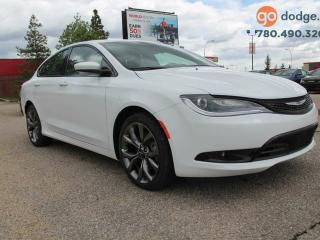 Used 2016 Chrysler 200 S / PANORAMIC SUNROOF / REAR BACK UP CAMERA for sale in Edmonton, AB