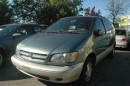 Used 1999 Toyota Sienna XLE for sale in Scarborough, ON