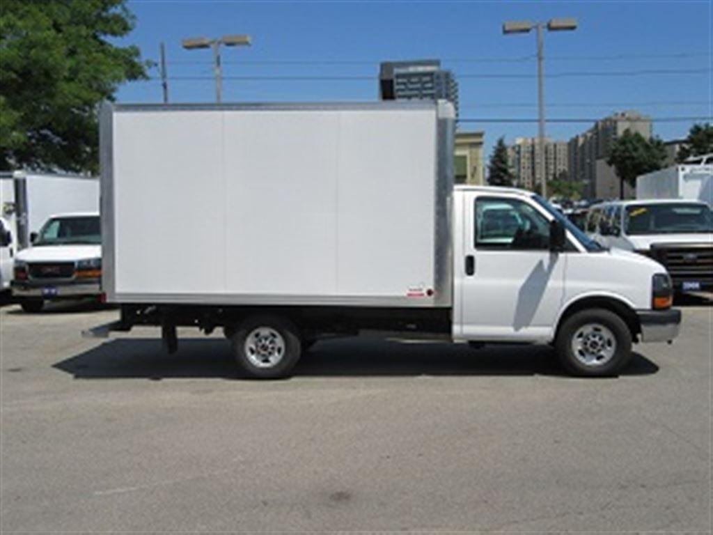 Used 2017 Gmc Savana 3500 Srw 12 Ft Gas Cube Van For Sale In