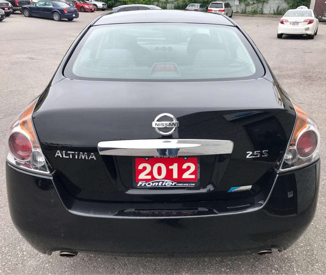 2203913