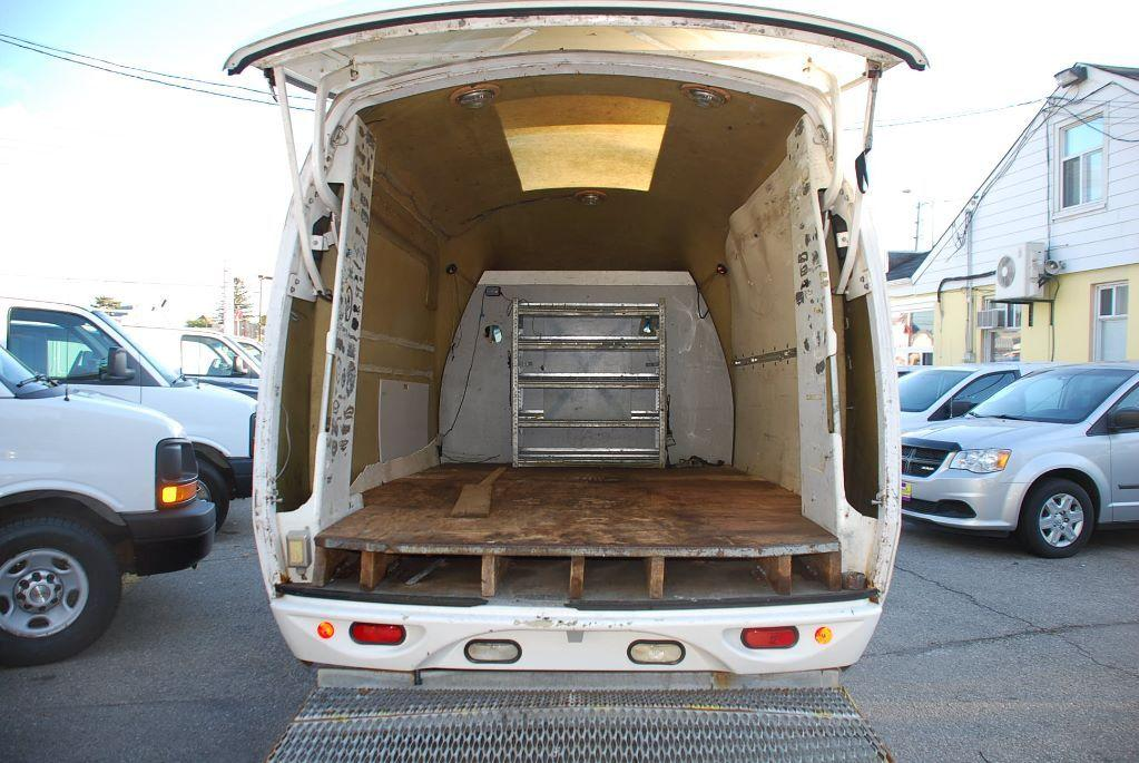Used 2006 Ford E350 BUBBLE VAN UNICELL BOX for Sale in Woodbridge, Ontario | Carpages.ca