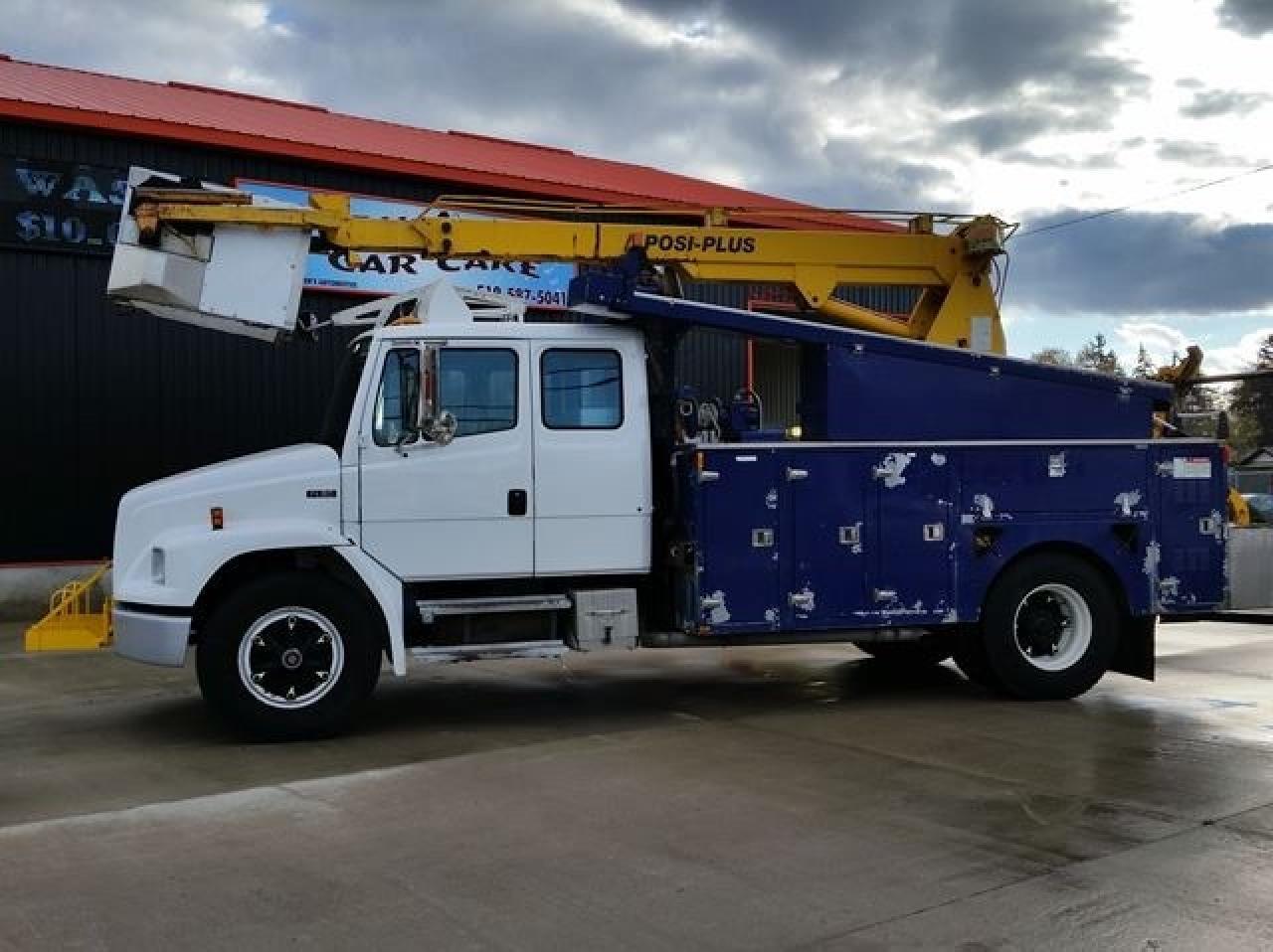 2001 Freightliner FL80 Bucket Truck