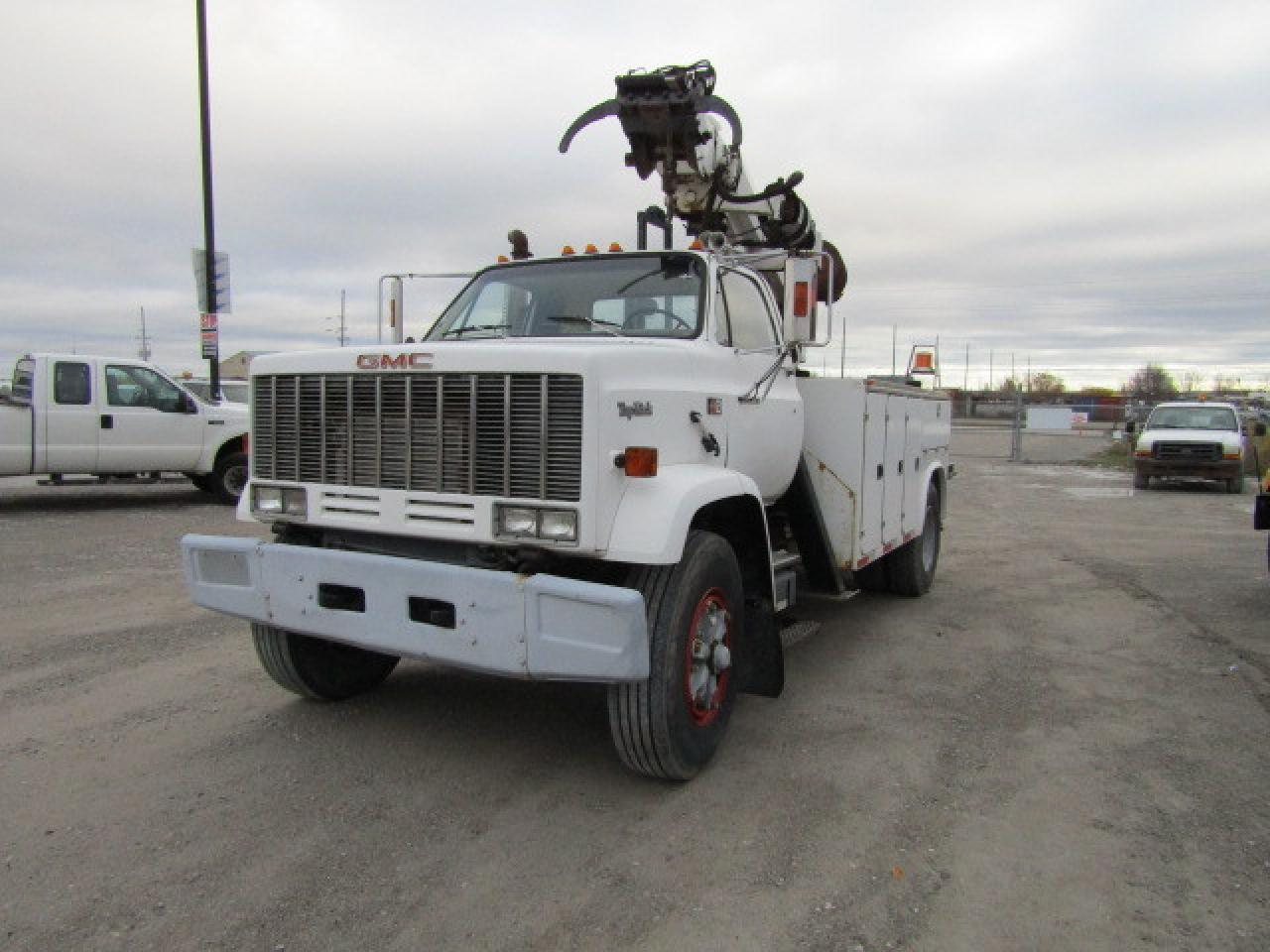 Photo of White 1989 GMC C6500 C7D042