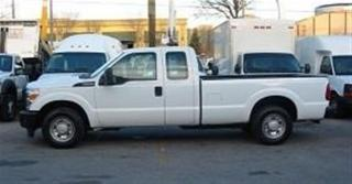 Used 2016 Ford F-250 Extended cab 2wd gas long box for sale in Richmond Hill, ON