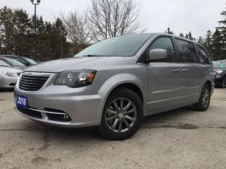 Used 2016 Chrysler Town & Country S for sale in Bradford, ON