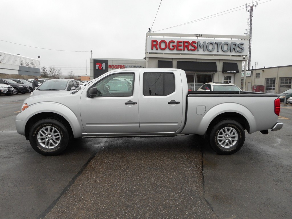 used 2014 nissan frontier sv 4x4 crew cab for sale in oakville ontario. Black Bedroom Furniture Sets. Home Design Ideas