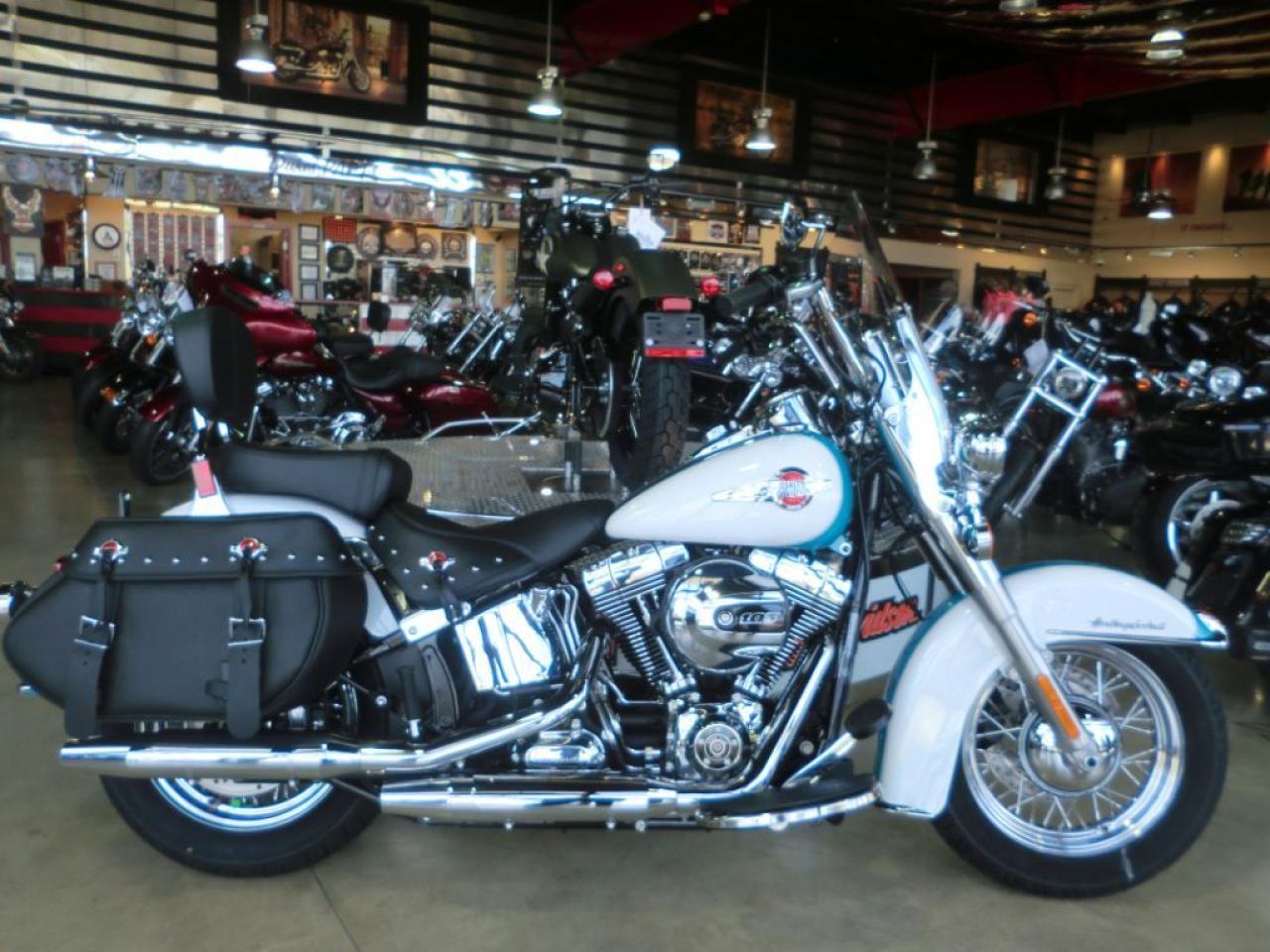 2017 Harley-Davidson Heritage Softail Classic FLSTC HERITAGE
