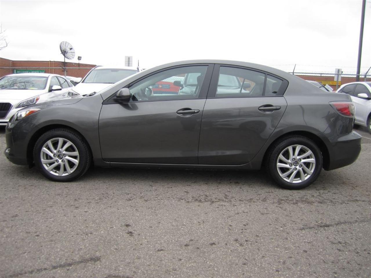 2013 Mazda MAZDA3 GX-Bluetooth-Alloys-NEW tires