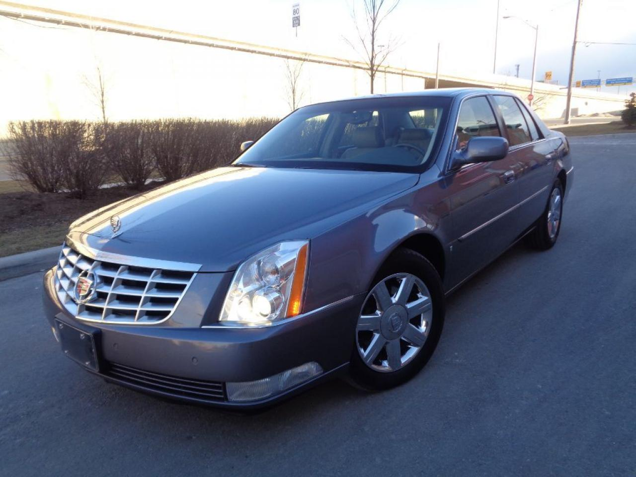Photo of Gray 2007 Cadillac DTS