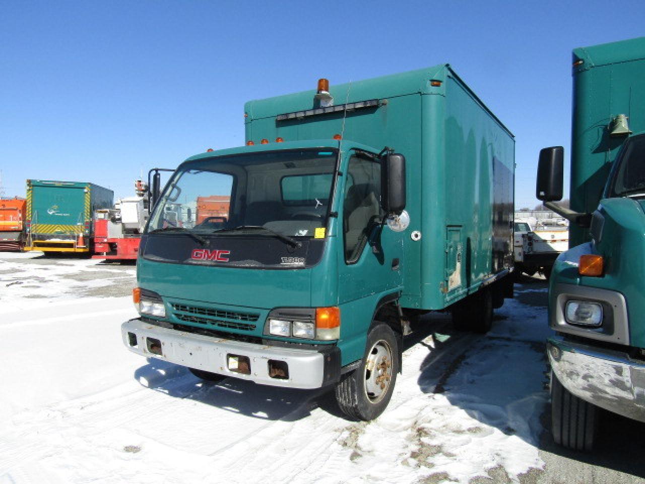 Photo of Green 2005 GMC 5500