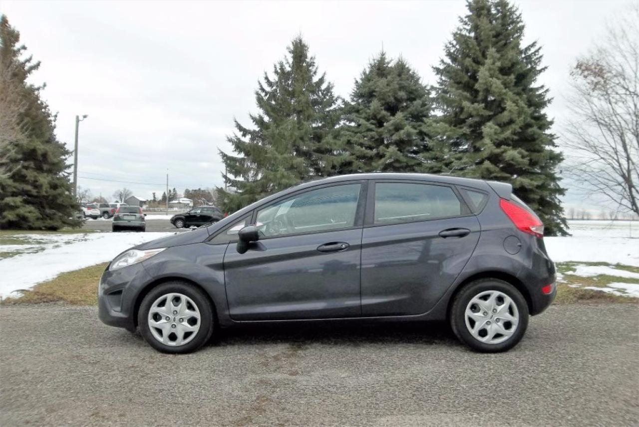 Photo of Grey 2012 Ford Fiesta