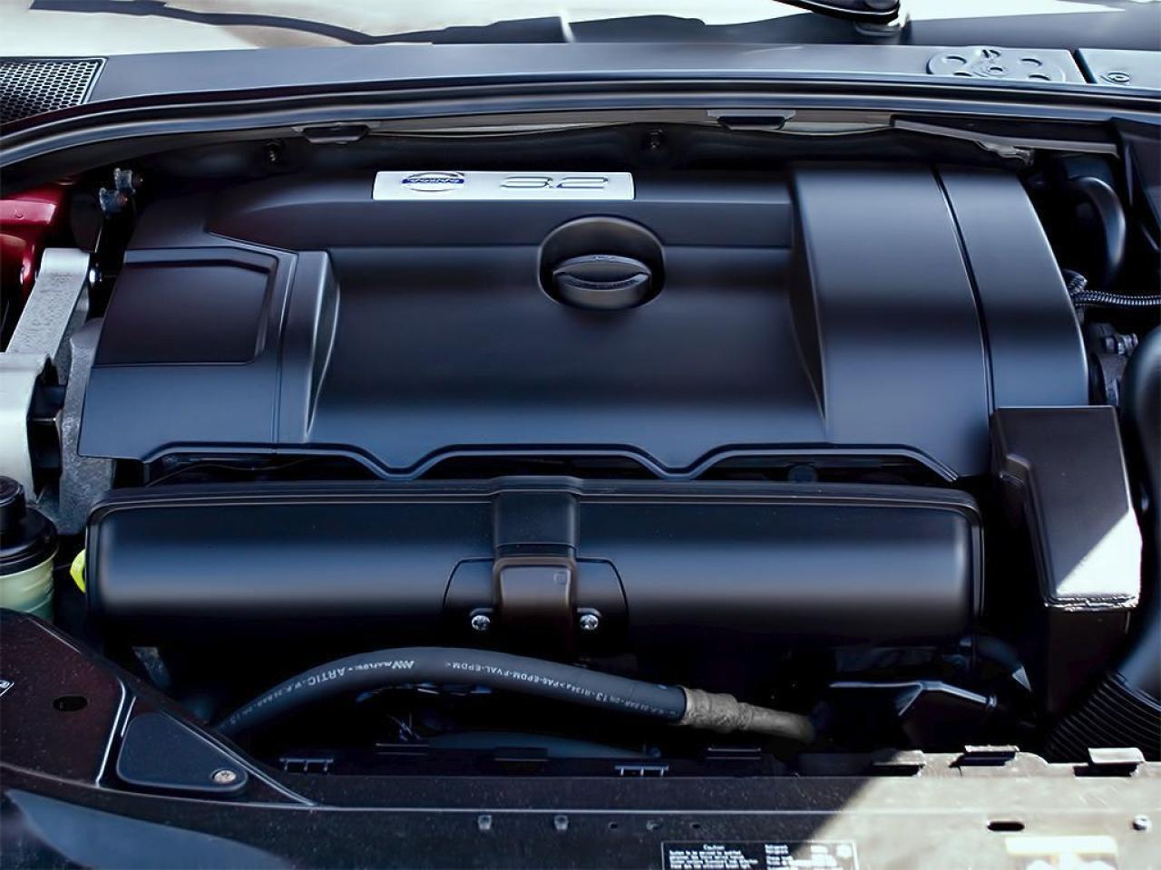 2011 Volvo XC70 3.2|AWD|LEATHER|SUNROOF|ALLOYS|ROORF RACK