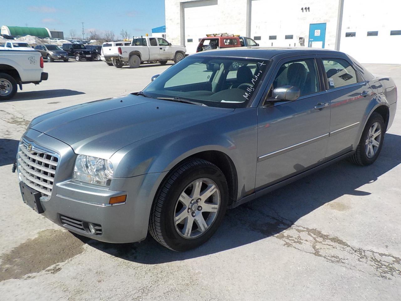 Photo of Grey 2006 Chrysler 300