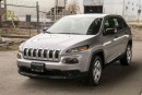 Used 2015 Jeep Cherokee Sport for sale in Langley, BC