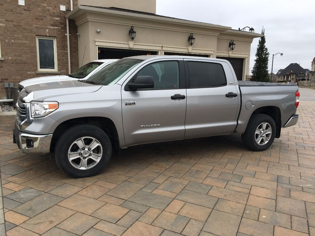 used 2016 toyota tundra sr5 for sale in york ontario. Black Bedroom Furniture Sets. Home Design Ideas