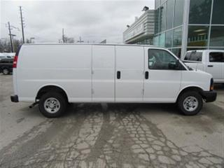 Used 2015 Chevrolet Express 2500 Extended 5 passenger gas cargo van for sale in Richmond Hill, ON