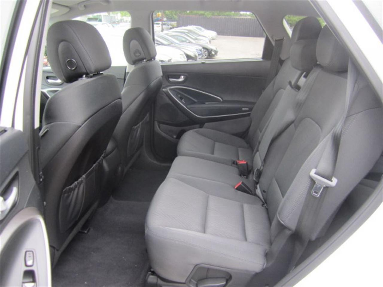 2017 Hyundai Santa Fe XL Premium-AWD-Push start-Rear Camera