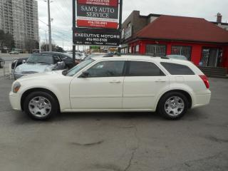 Used 2005 Dodge Magnum CLEAN for sale in Scarborough, ON