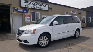 Used 2015 Chrysler Town & Country Touring-BACK UP CAMERA-PWR LIFTGATE & DOORS-ALLOYS for sale in Tilbury, ON