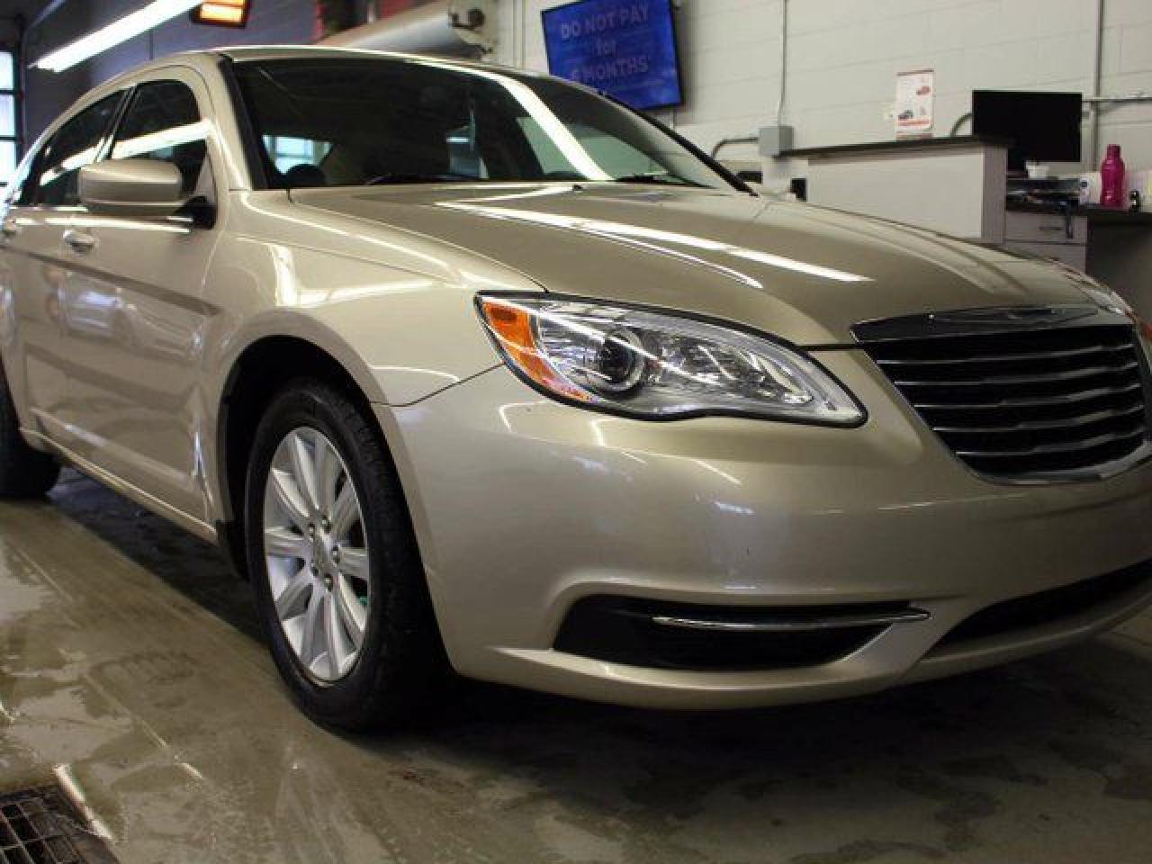 Used 2014 Chrysler 200 LX 4dr for Sale in Edmonton ...
