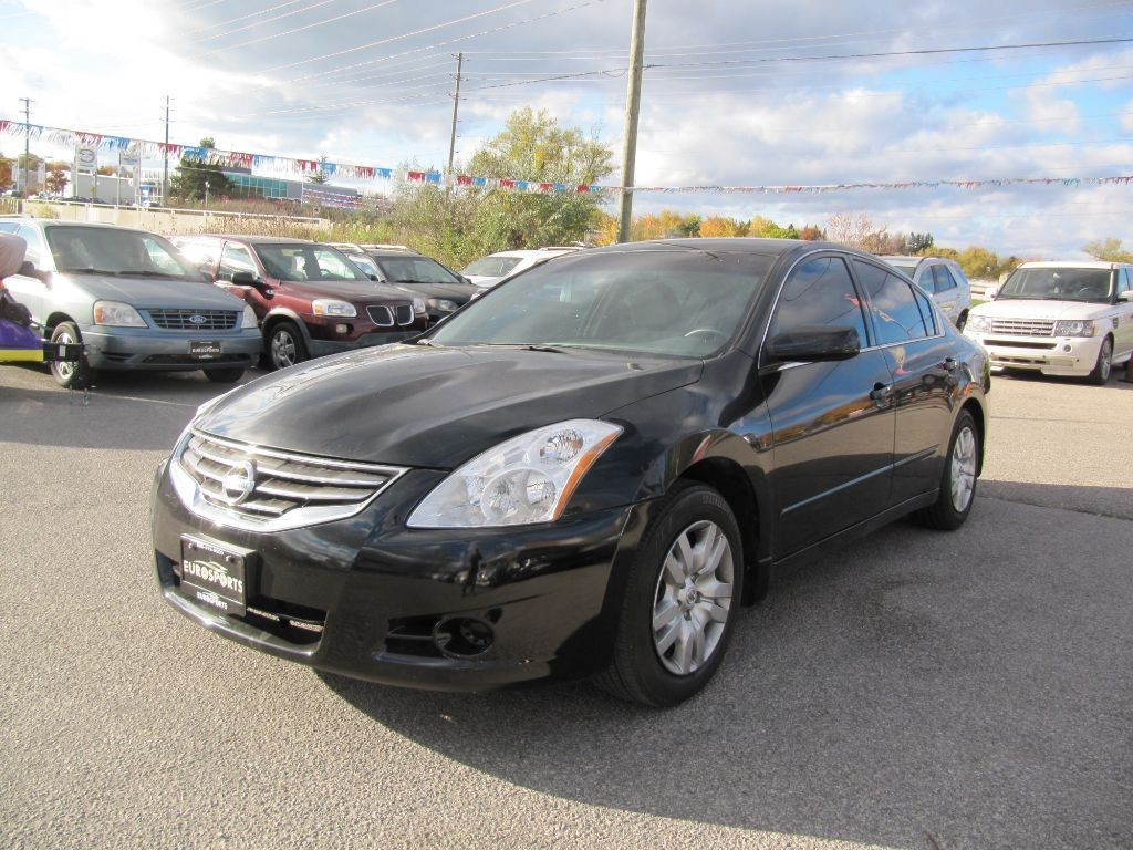 used 2011 nissan altima 2 5 s for sale in newmarket ontario. Black Bedroom Furniture Sets. Home Design Ideas