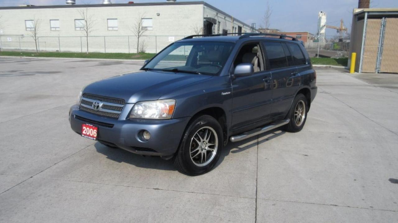 Photo of Blue 2006 Toyota Highlander Limited,7 Passanger, 4WD, Hybrid, Leather,Sunroof