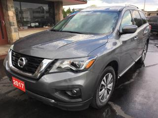 Used 2017 Nissan Pathfinder SV HEATED SEATS! 4x4!!  Seats 7! for sale in Brantford, ON