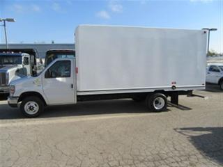 Used 2016 Ford E450 16 ft unicell gas cube van with high box for sale in Richmond Hill, ON
