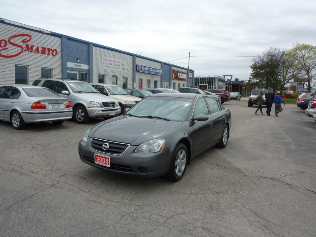 Photo of Grey 2004 Nissan Altima