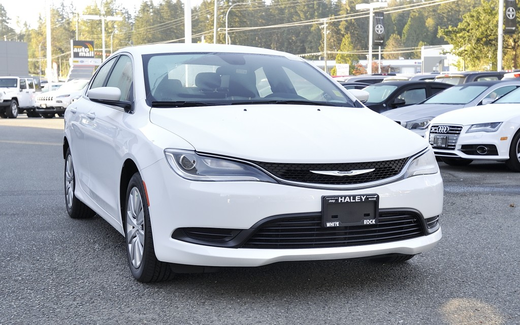 used 2016 chrysler 200 lx for sale in surrey british. Black Bedroom Furniture Sets. Home Design Ideas
